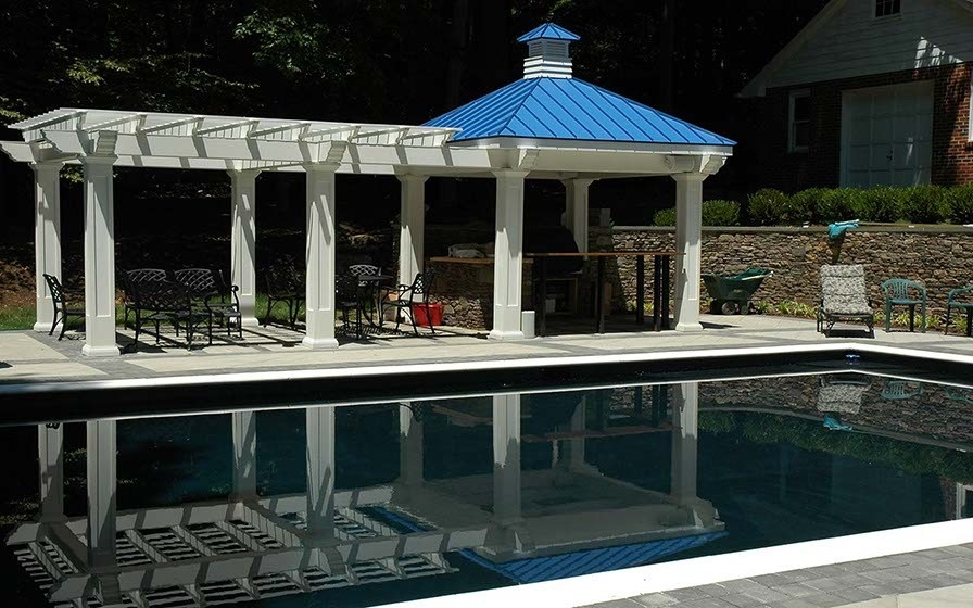 SynCore Pergola with Outdoor Kitchen