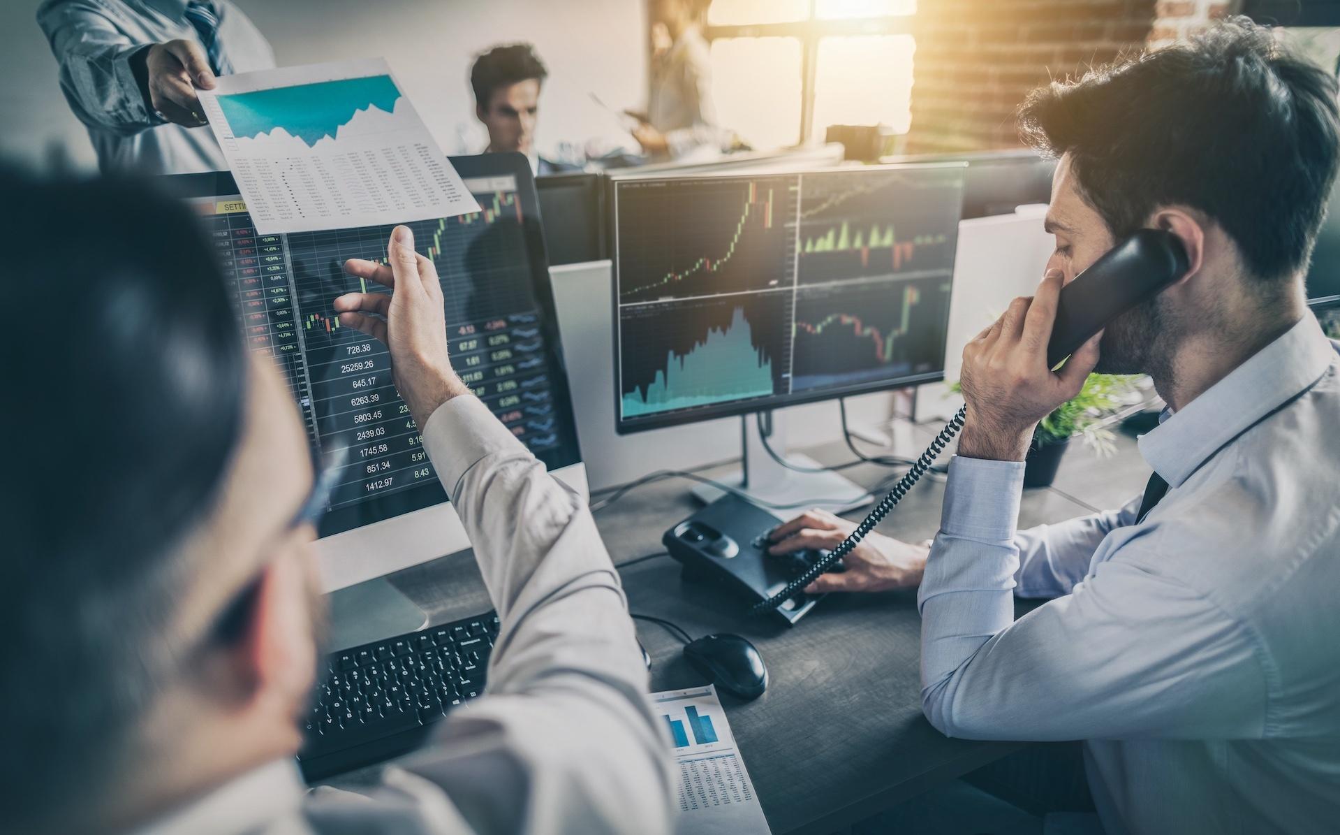 Institutional Investors, Hedge Funds, Quants, Big Banks