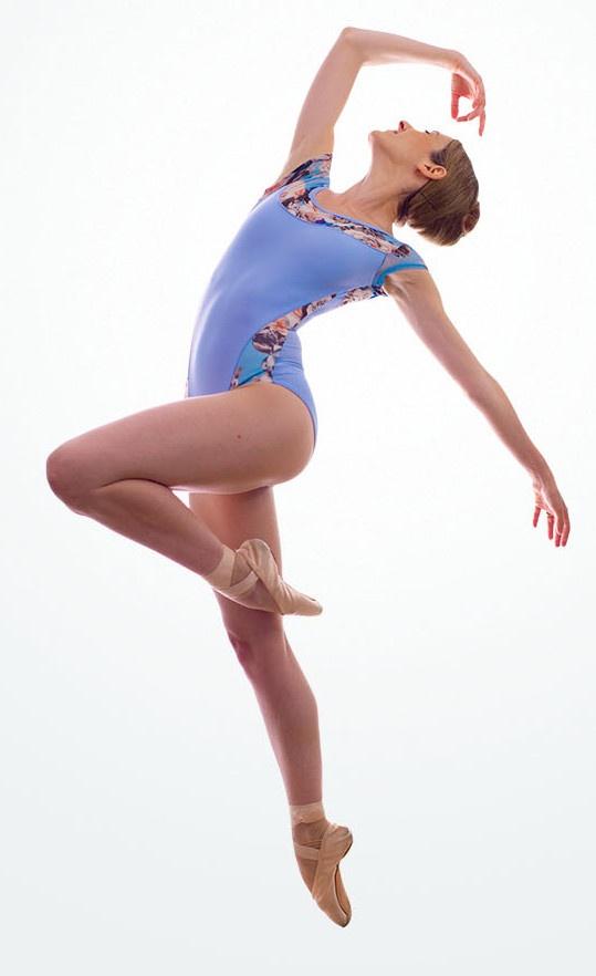Alessia Lugoboni dancing ballet