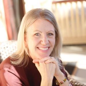 Rebe Huntman Author Photo