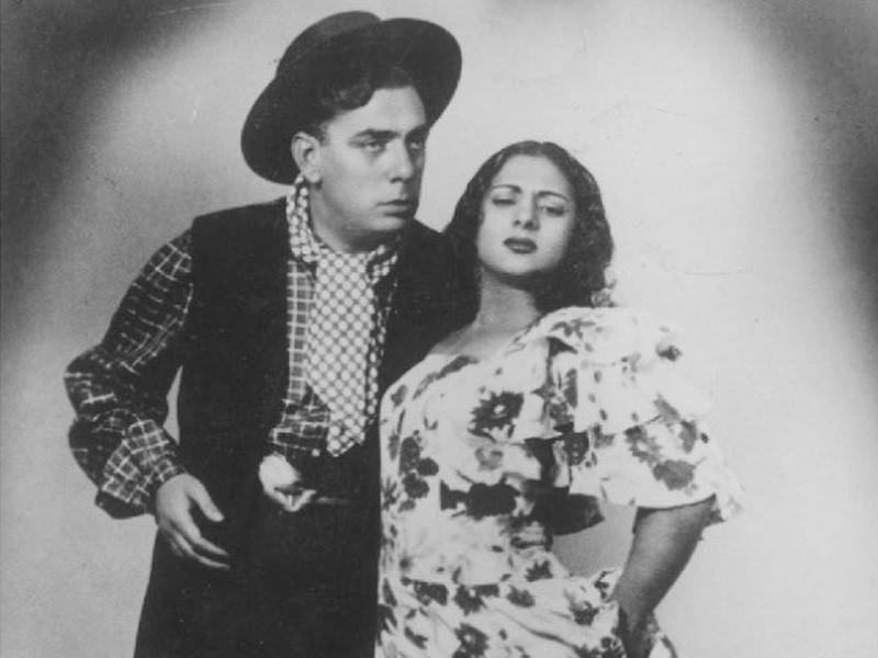 Lola Flores & Manolo caracol -Zambra Mora History Online with Puela Lunaris-