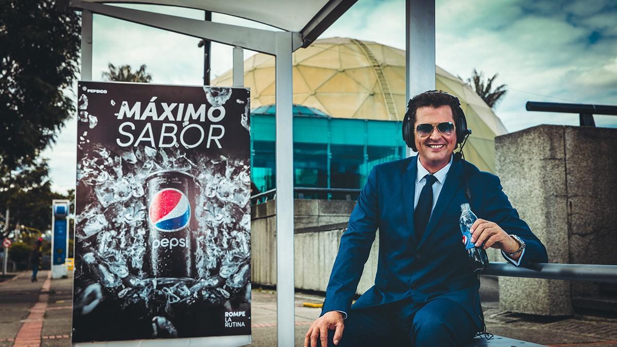 Carlos Vives con Pepsi