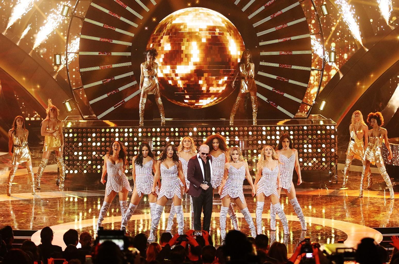 Pitbull - Premios Billboard 2017