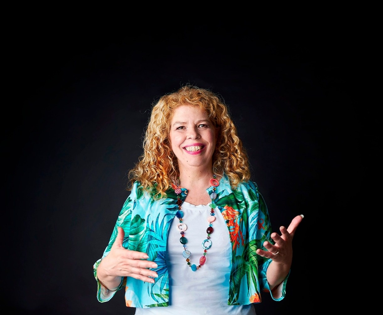 Hire a PMO Speaker for your next company event - Elise Stevens