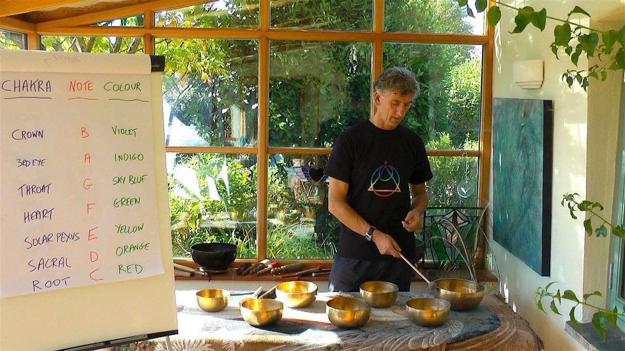 Short Sound Healing Course: Balancing the Chakras With Tibetan Singing Bowls