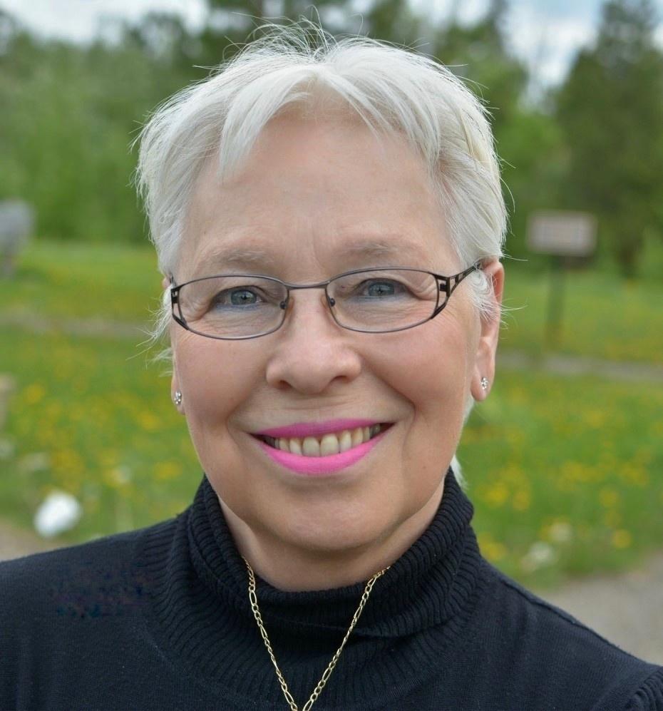 Image of Mila Lansdowne