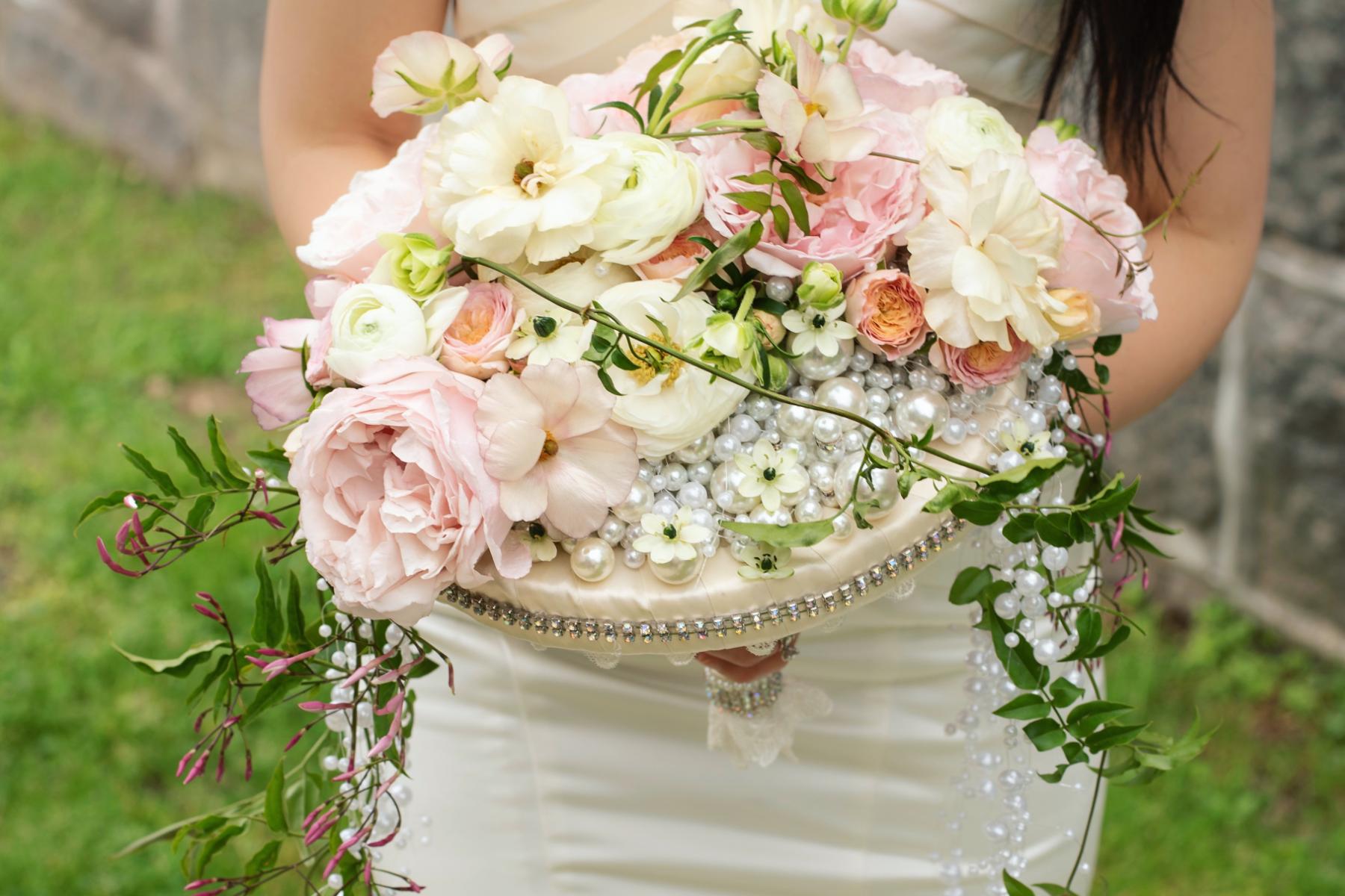 Romantic wedding bouquet in soft pink and blush modern bride designed by Viva La Flora Designs Anahit Hakobyan wedding florist Maryland Washington DC Virginia