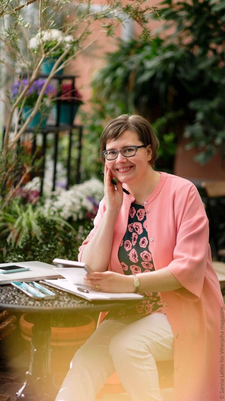 Garden designer Sari Lampinen MSGD is teaching and coaching home garden design