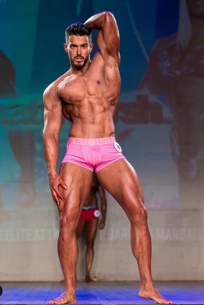 Sion Evans Classic Physique comp prep champion